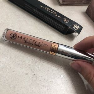 Anastasia Beverly Hills Makeup - NEW Anastasia Beverly Hills Liquid Lipstick